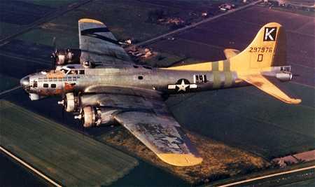B-17 #42-97976 / Louie the Creep aka A Bit o' Lace