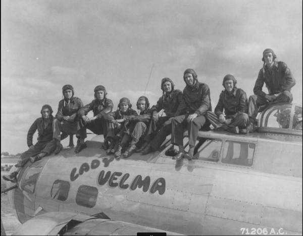 B-17 #43-37831 / Lady Velma