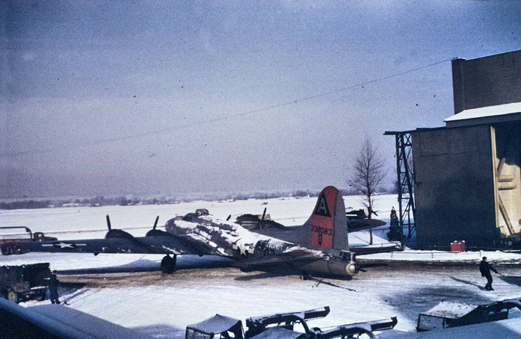 B-17 #43-38083 / Happy Valley Express