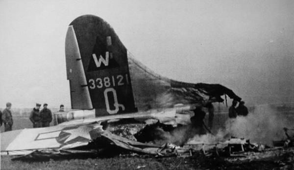 B-17 #43-38121 / Q-Queenie