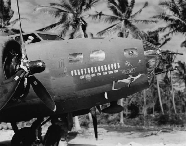 B-17 #41-2523 / Busy Beavers aka Goonie