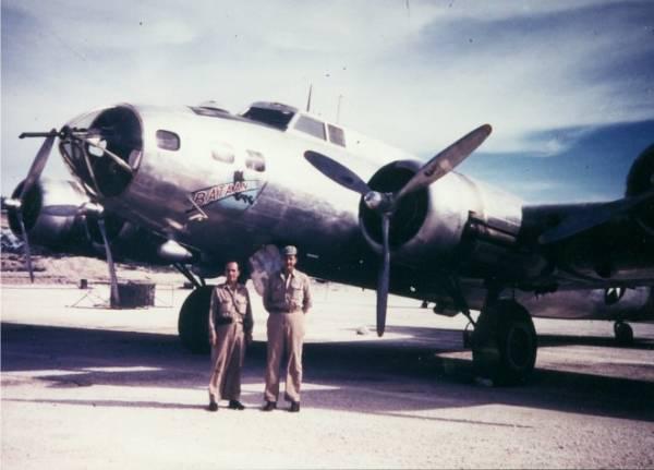 B-17 #41-2593 / Bataan aka Miss Em