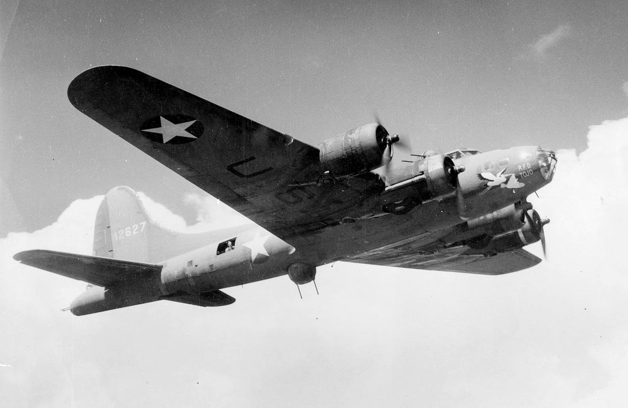 B-17 #41-2627 / R.D.F. Tojo