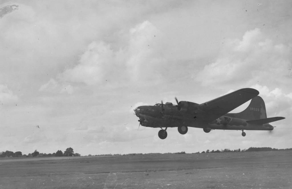 B-17 41-9026