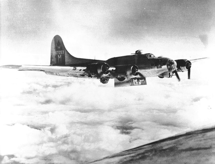 B-17 #42-107053 / Esquire