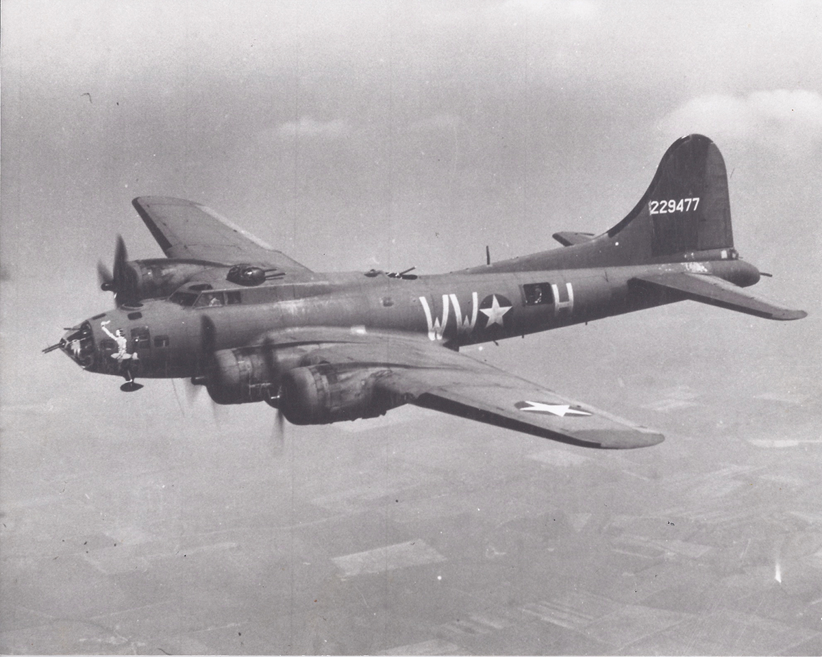 B-17 #42-29477 / Little Audrey aka Joan of Arc