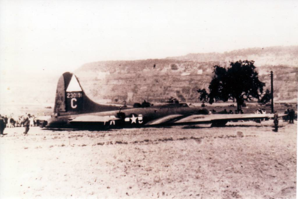 B-17 #42-30191 The Bolevich crash landed on 17/08/1943