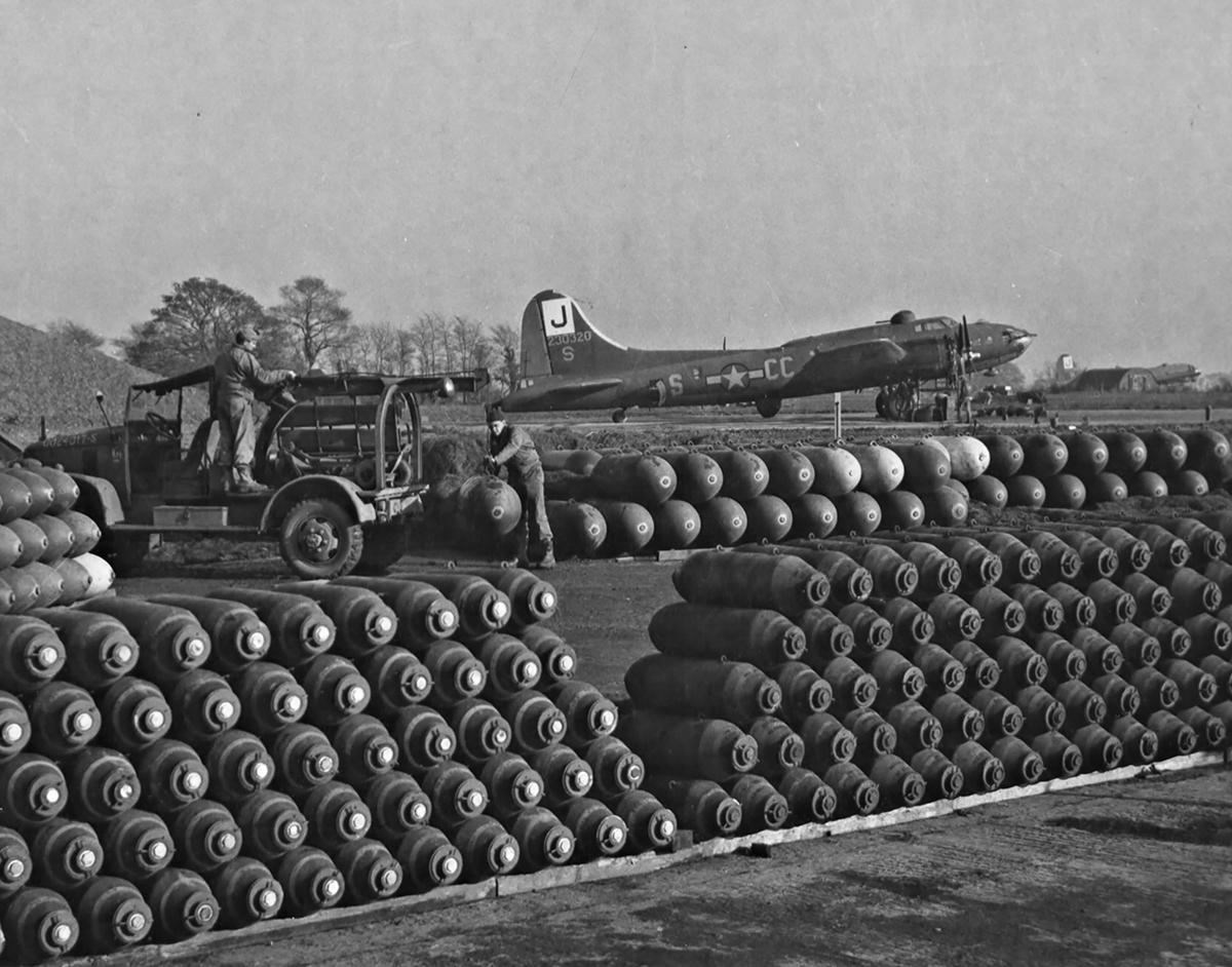 B-17 #42-30320 / Coy Decoy