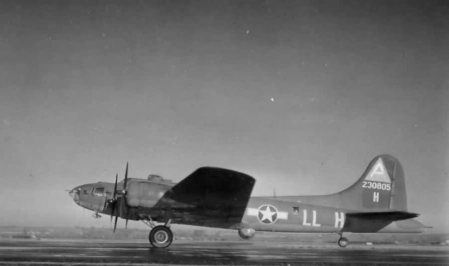 B-17 #42-30805 / Bomb Boogie's Revenge