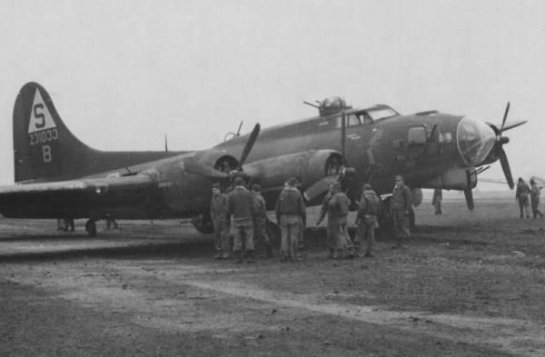 B-17 #42-31033 / Pee-Tey-Kuh