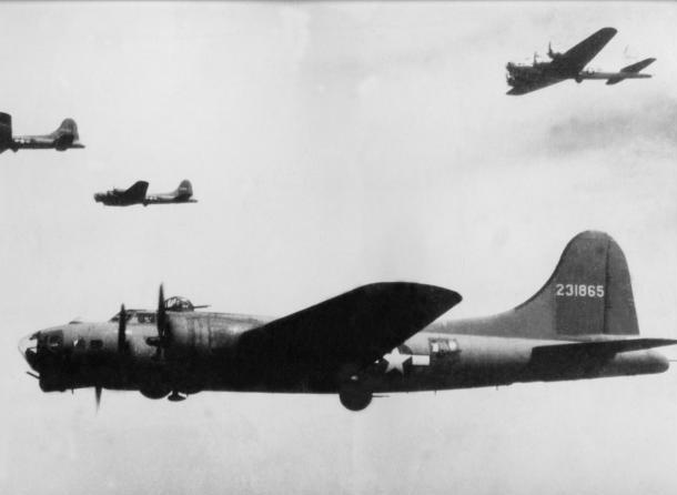 B-17 #42-31865 / Ole Ironsides