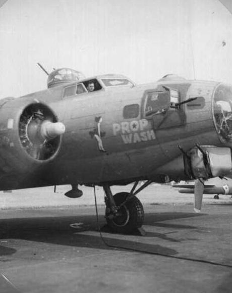 B-17 #42-31923 / Prop Wash
