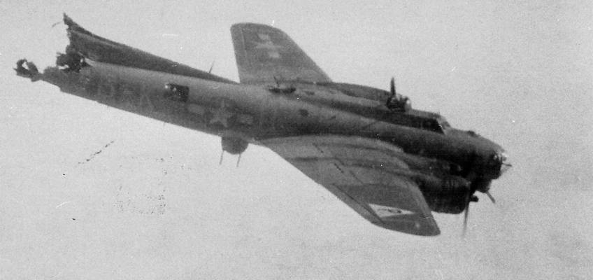 Boeing B-17 #42-37781 / Silver Dollar