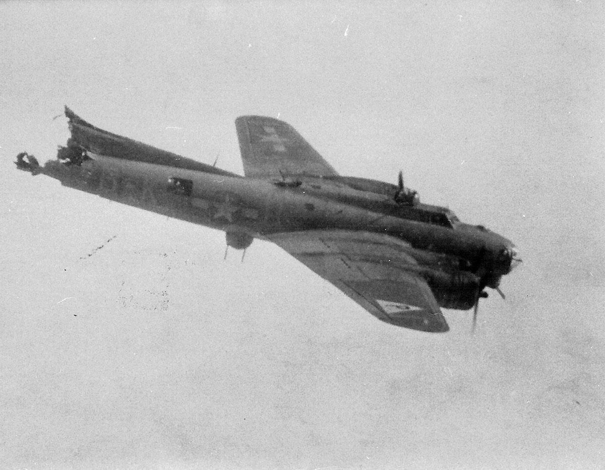 B-17 #42-37781 / Silver Dollar