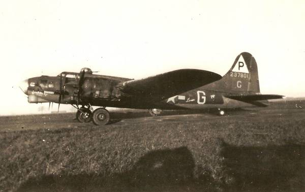 B-17 #42-37801 / The Duchess aka Dynamite Express