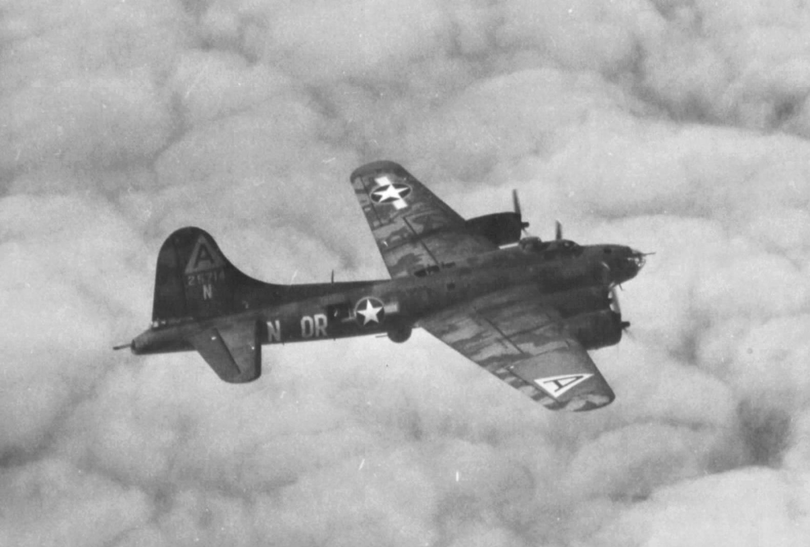 B-17 #42-5714 / Old Faithful II