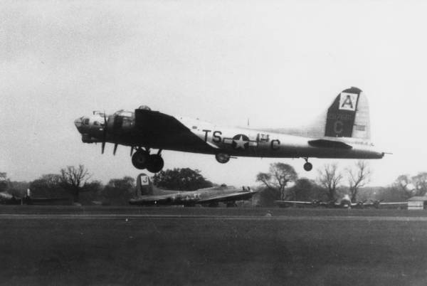 B-17 #42-97681 / The Big Wheel