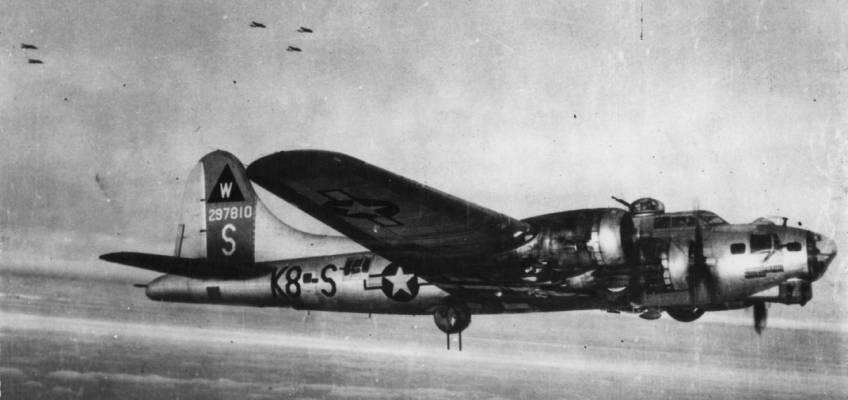 Boeing B-17 #42-97810