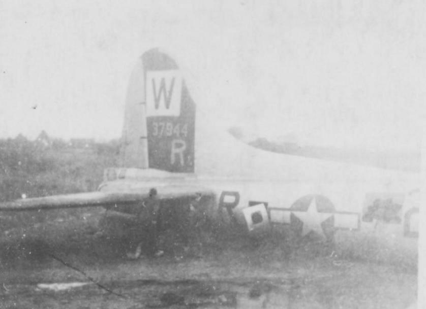 B-17 #43-37944 / Mr Tacoma