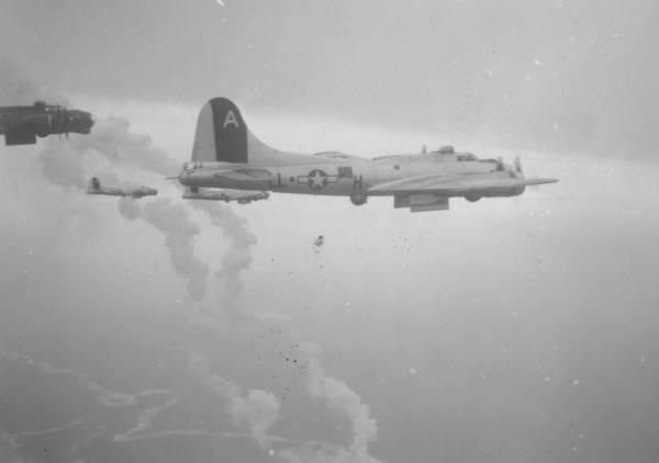 B-17 #43-38036 / Hey Daddy