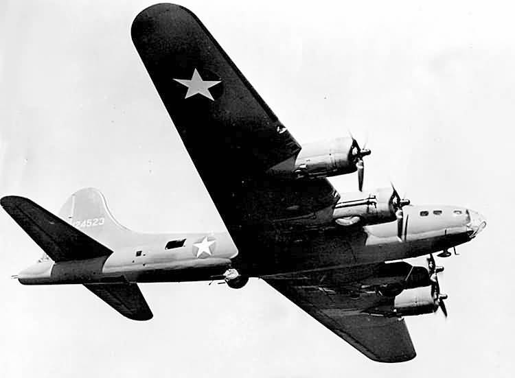 B-17 #41-24523 / Golly aka Lil' Audrey aka Snooks