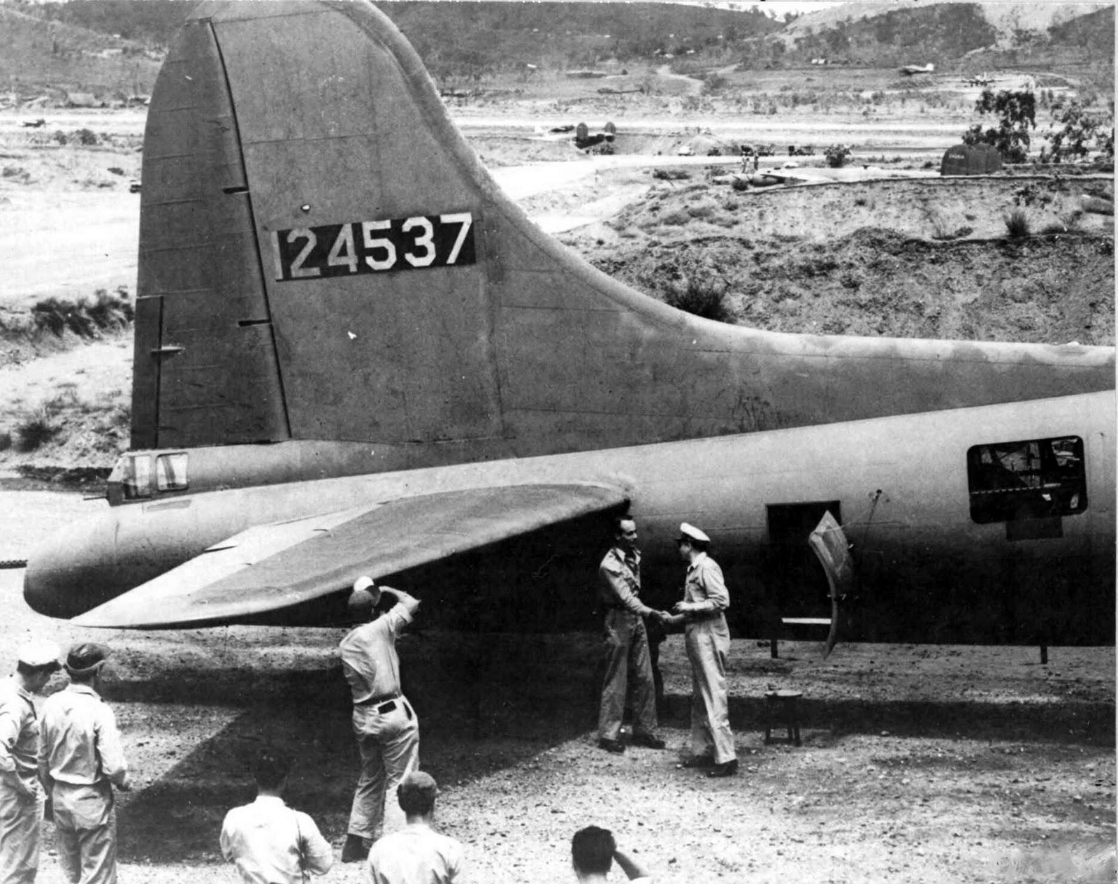 B-17 #41-24537 / Talisman aka USA-SOS War Horse