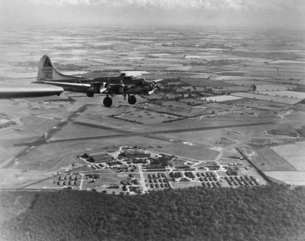 B-17 #42-107124 / Mollie Mule