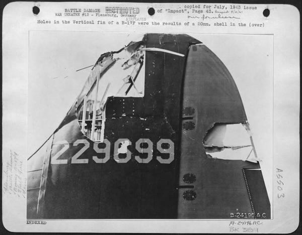B-17 #42-29699 / Fifi aka Old Battle Axe