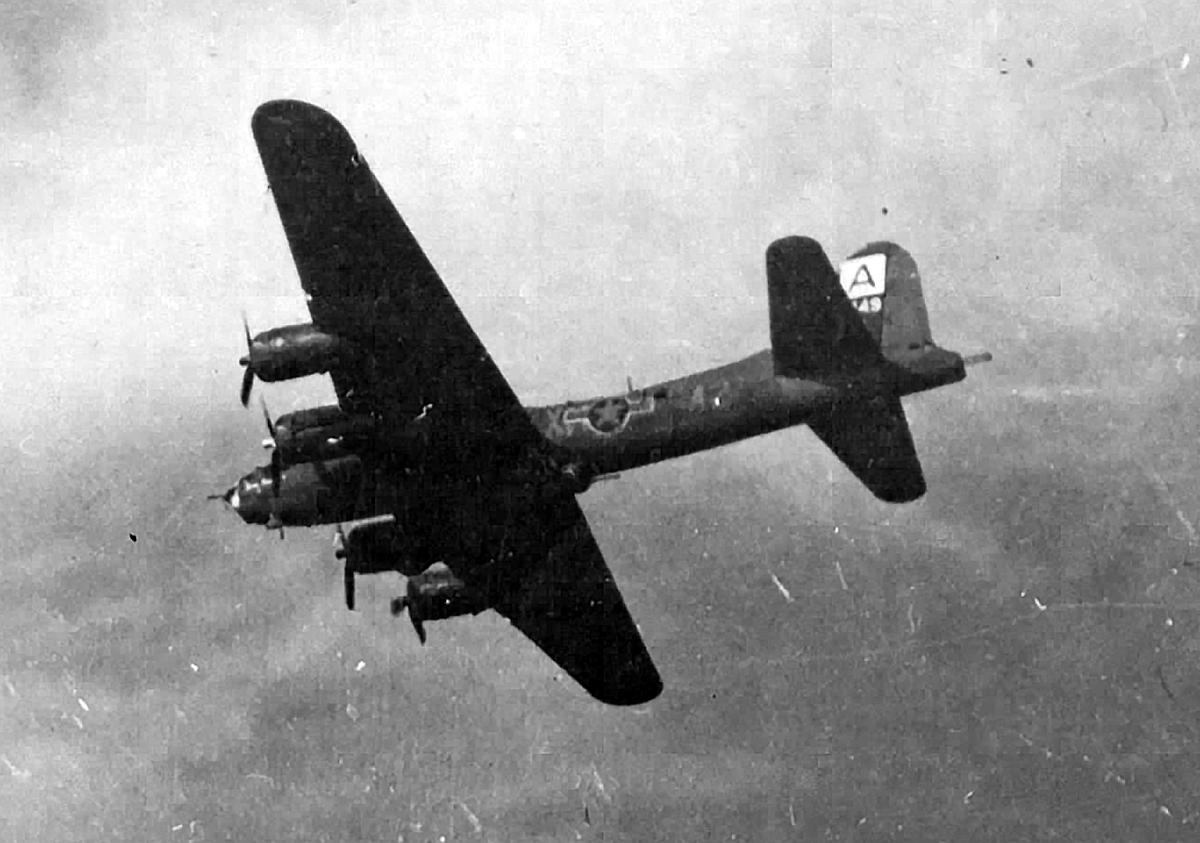 B-17 #42-30149 / Spare Parts