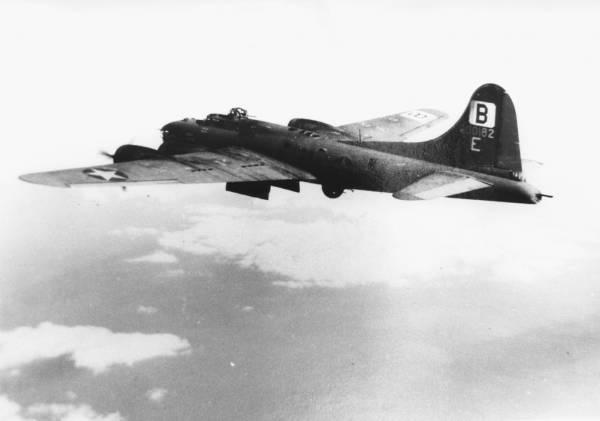 B-17 #42-30182 / Blondie II