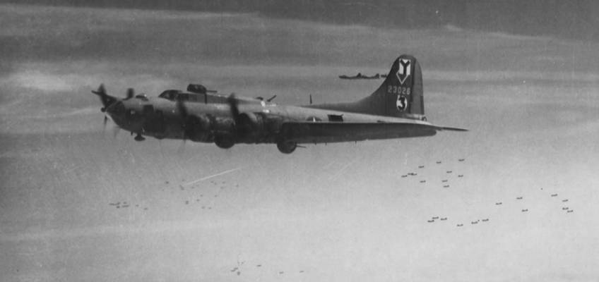 Boeing B-17 #42-3026 / Roger The Lodger