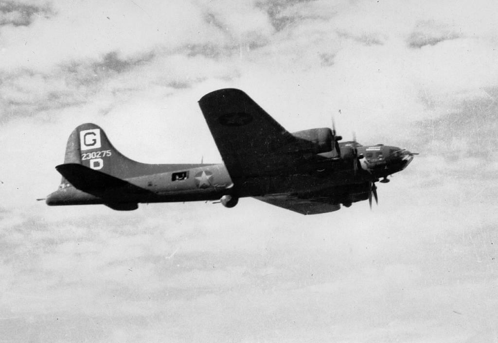 B-17 #42-30275 / Vibrant Virgin