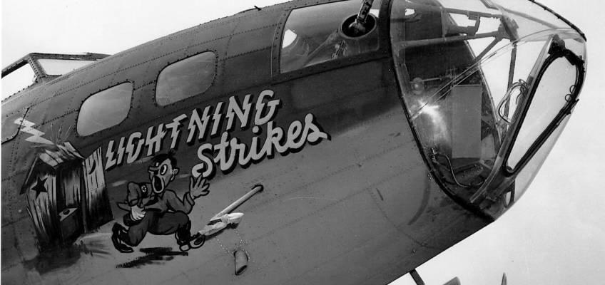 Boeing B-17 #42-3073 / Lightning Strikes