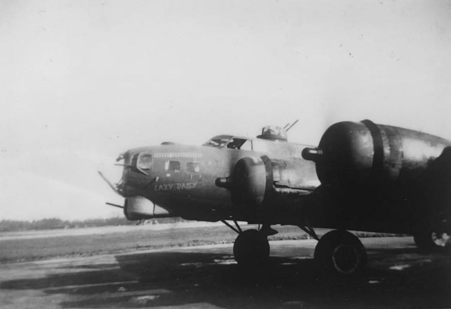 B-17 #42-31222 / Lazy Daisy