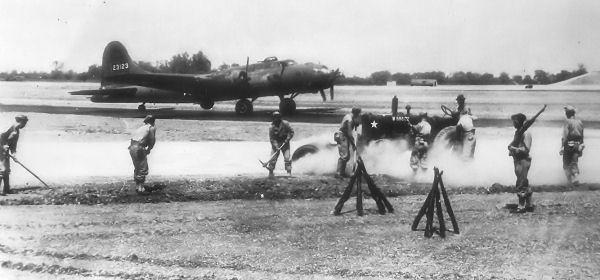 B-17 #42-3123 / Ron Chee