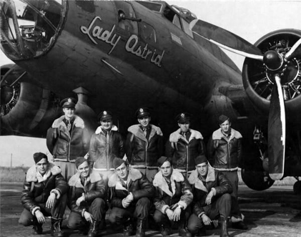 B-17 #42-3176 / Spook II aka Lady Astrid