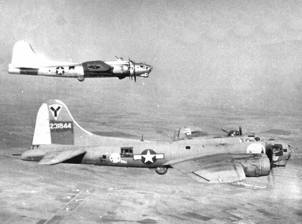 B-17 #42-31844 / THE SWOOSE 1944 MODEL. IT FLYS?
