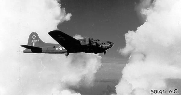 B-17 #42-3389 / Rangy Lil