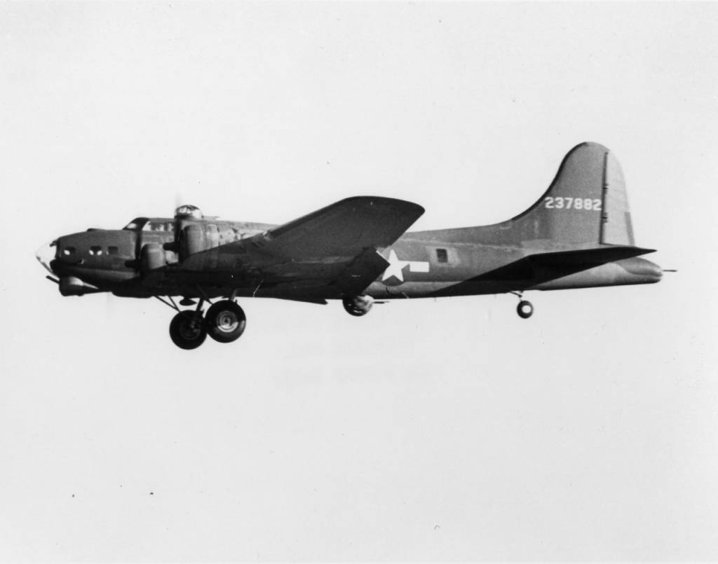 B-17 #42-37882 / Hard Time aka A-Good-Bett aka Blues in the Reich