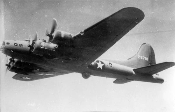 B-17 #42-5718 / The Widow Maker