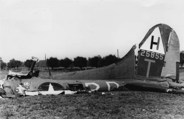 B-17 #42-5855 / Ramp Tramp