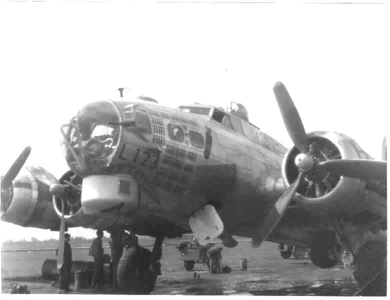 B-17 #42-97123 'Ipana Smile' aka 'Old 123'