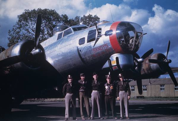 B-17 #42-97232 / G.I. Issue aka Government Property aka Sandy's Refueling Boys