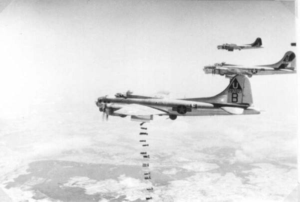 B-17 #42-97827 / My Mary Myrtle