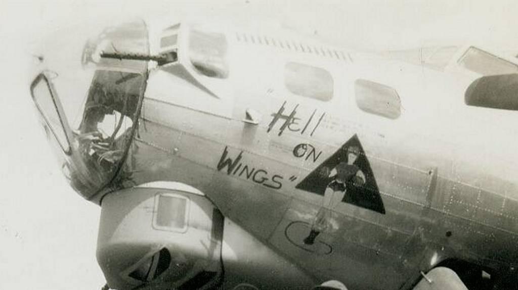 B-17 #42-97948 / Hell on Wheels