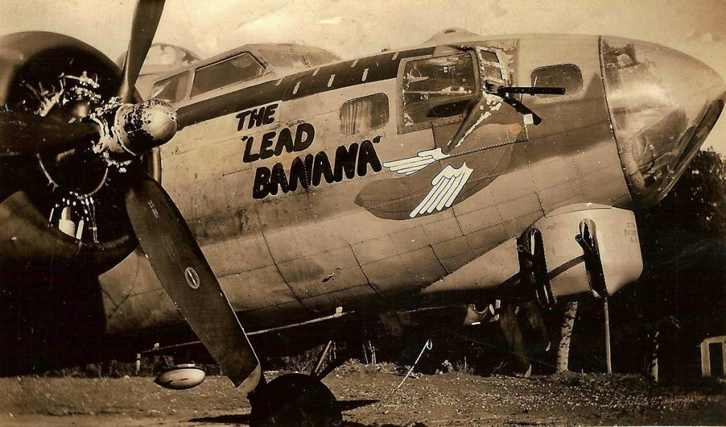 B-17 #43-37822 / The Lead Banana