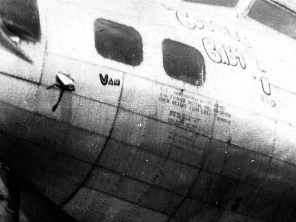 B-17 #43-38458 / Bottle Baby