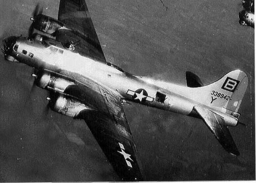 B-17 #43-38942 / Belligerent Beauty aka Hot Box