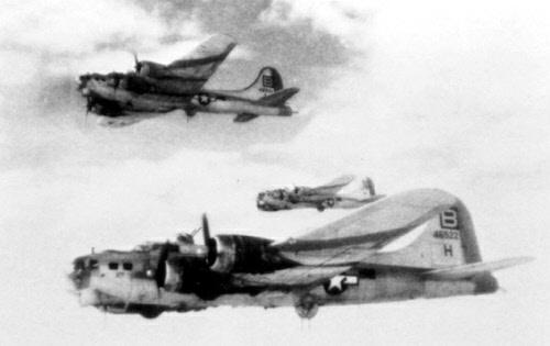 B-17 #44-6522 / Dirty Duchess aka It Flies aka SNAFU aka Sweet Jo aka Hard Luck