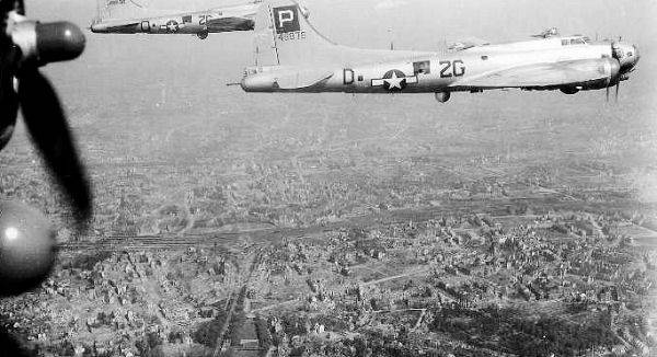 B-17 #44-8878